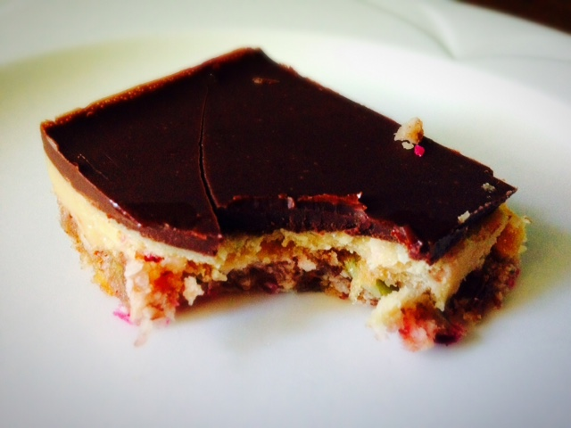 salted-caramel-and-chocolate-slice
